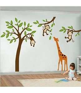 kleurplaat aapje in boom