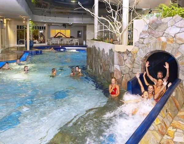 Spannende Glijbaan Bij Zwembad Dierenbos Zwembaden Overdekt