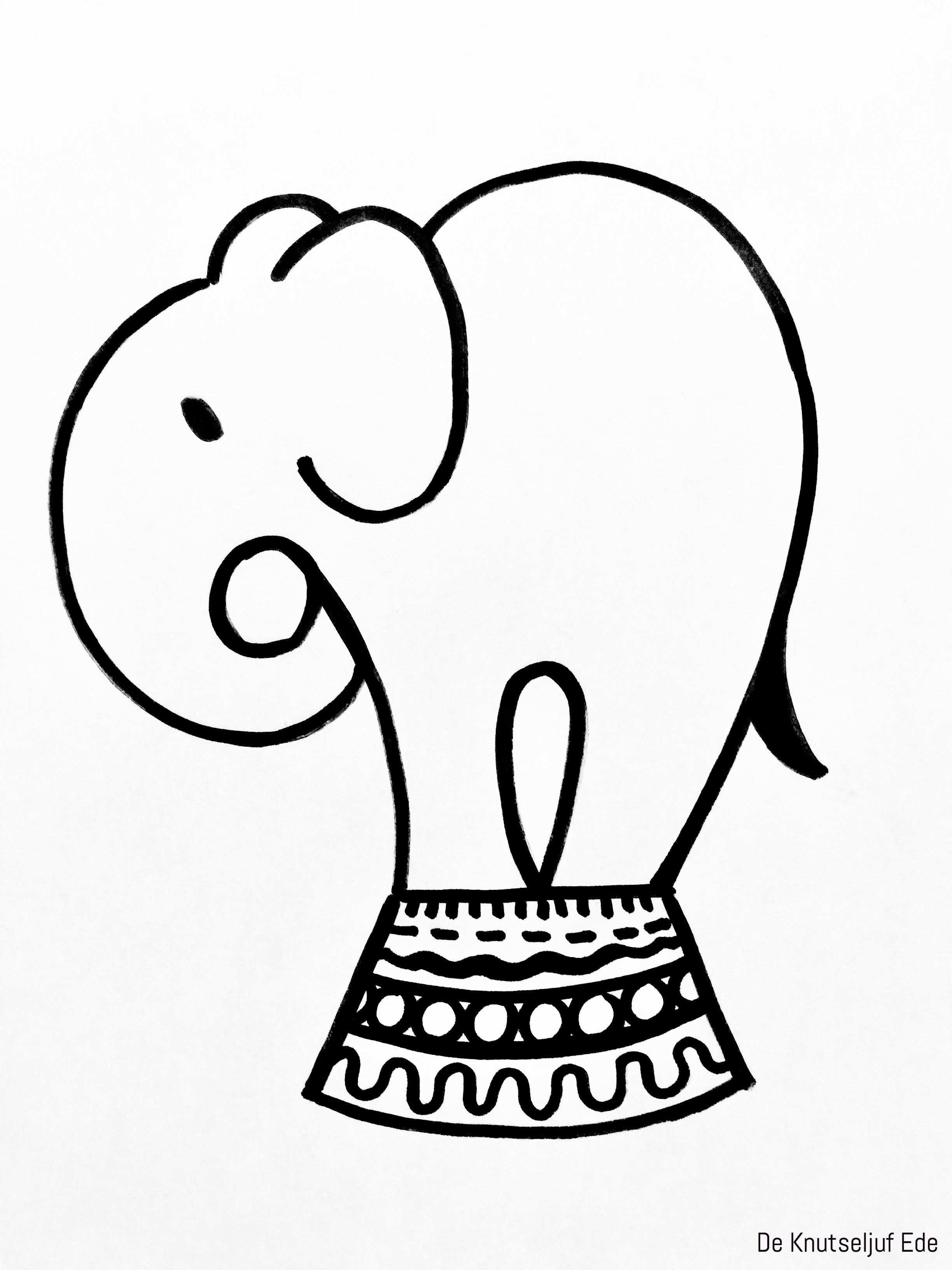 Circus Olifant Knutselen Van Karton En Wasknijpers Met
