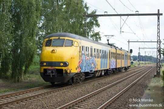 Mat 64 Treinen