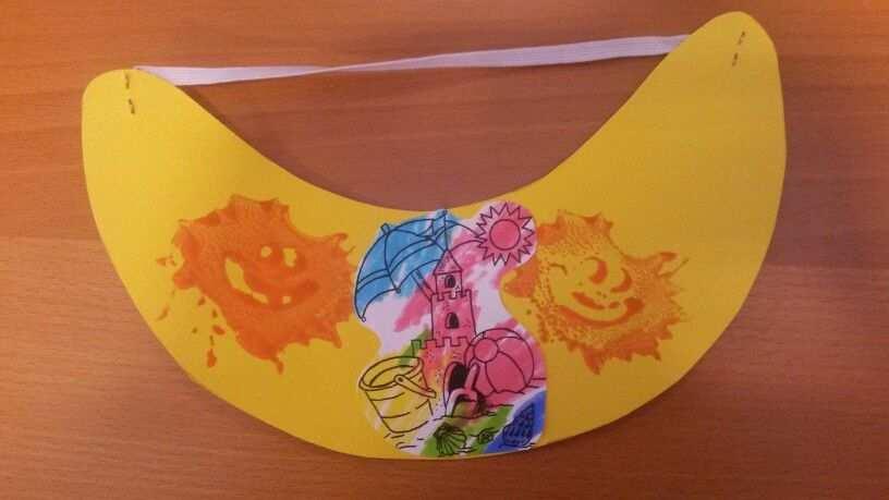 Thema Zomer 2014 Zonneklep Met Een Kleurplaat Van Een Zandkasteel
